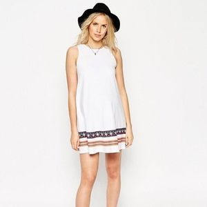 ASOS WHITE EMBROIDERED HEM TRIBAL FESTIVAL DRESS